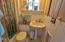 625 NW Alpine St, Newport, OR 97365 - Bathroom