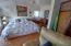 625 NW Alpine St, Newport, OR 97365 - Bedroom up