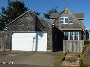 532 SW Smith Ct, Newport, OR 97365 - Front