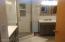 4720 NE G Ave, Neotsu, OR 97364 - master bath
