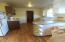 31 NE Coos St, Newport, OR 97365 - Dining area