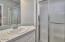 1727 SE 8th St, Lincoln City, OR 97367 - Master Bathroom