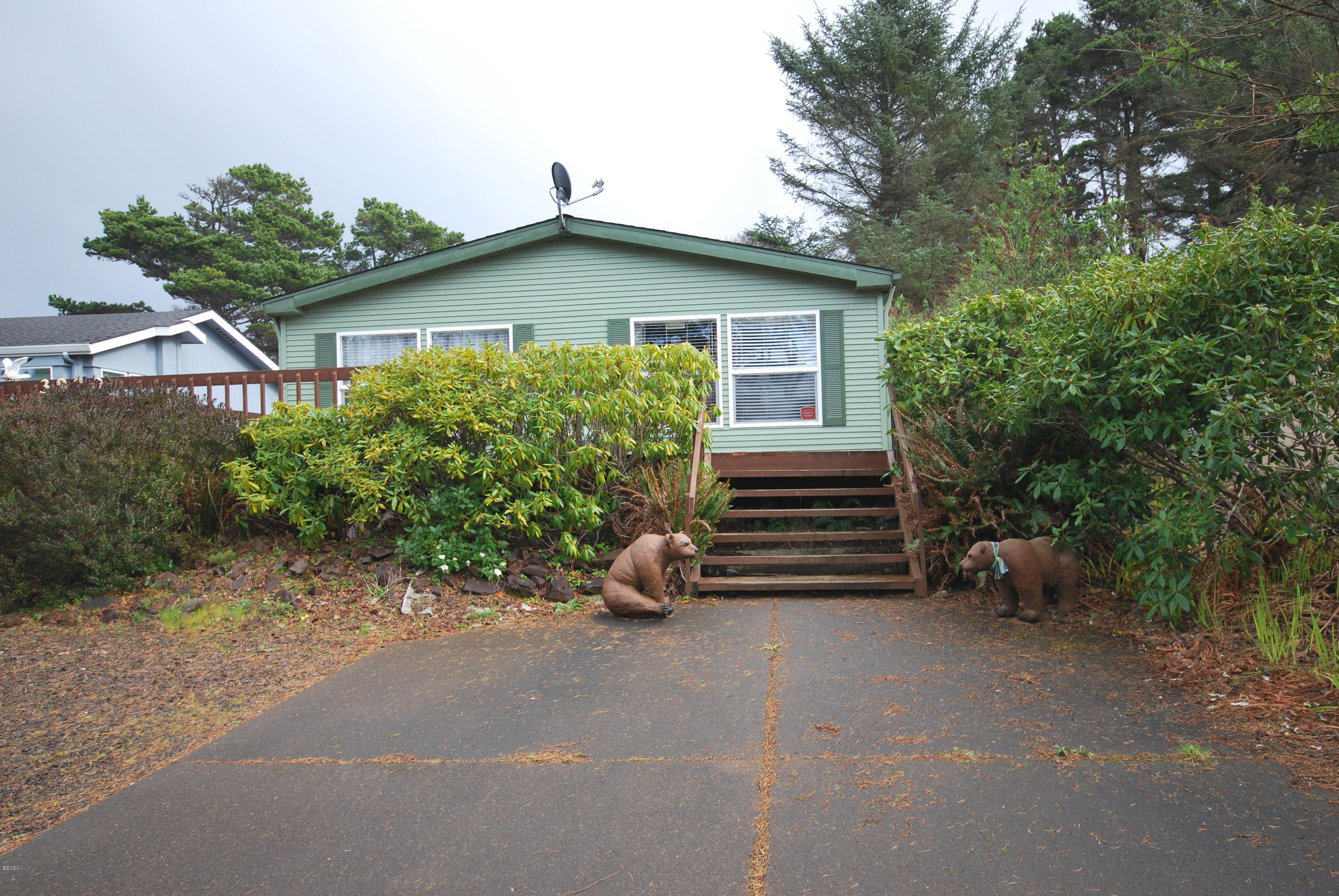 3820 Evergreen Ave, Depoe Bay, OR 97341