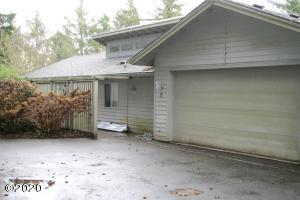 7 Big Tree Rd, Gleneden Beach, OR 97388 - Front of Home