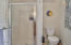 1515 NW 26th St, Lincoln City, OR 97367 - Upstairs Bathroom