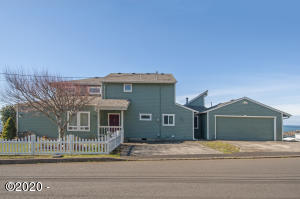 17 Williams Ave, Depoe Bay, OR 97341 - From Street