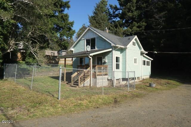 121 Siletz Hwy, Lincoln City, OR 97367 - Exterior 1
