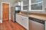 5310 NE Port Ln, Lincoln City, OR 97367 - Kitchen