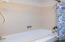 1306 NE Alder St, Toledo, OR 97391 - Shower/Tub