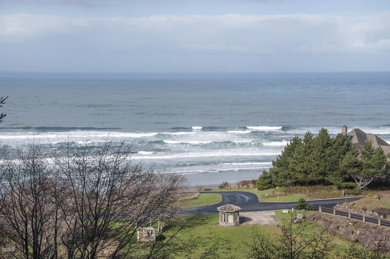 5480 Tyee Loop, Neskowin, OR 97149