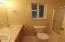 85 NW 33rd Pl, C, Newport, OR 97365 - Master Bath