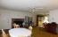 1306 NE Alder St, Toledo, OR 97391 - Living/Dinning