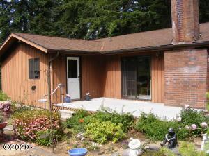 517 Thornton Crk, Toledo, OR 97391 - Main house