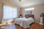 956 NW High St, Newport, OR 97365 - 14 master bed 956