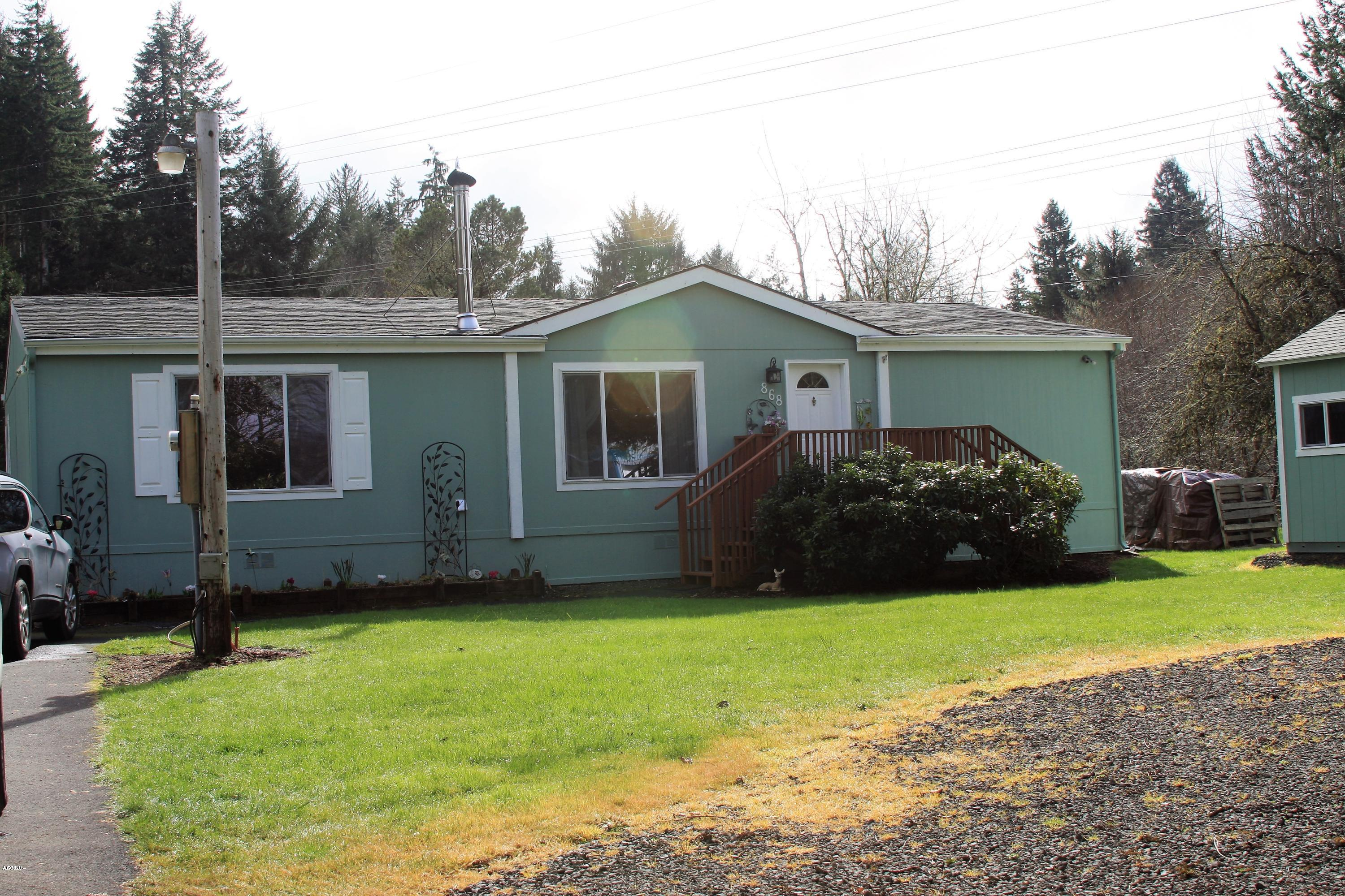 868 SW Siletz River Dr, Siletz, OR 97380 - Front of home