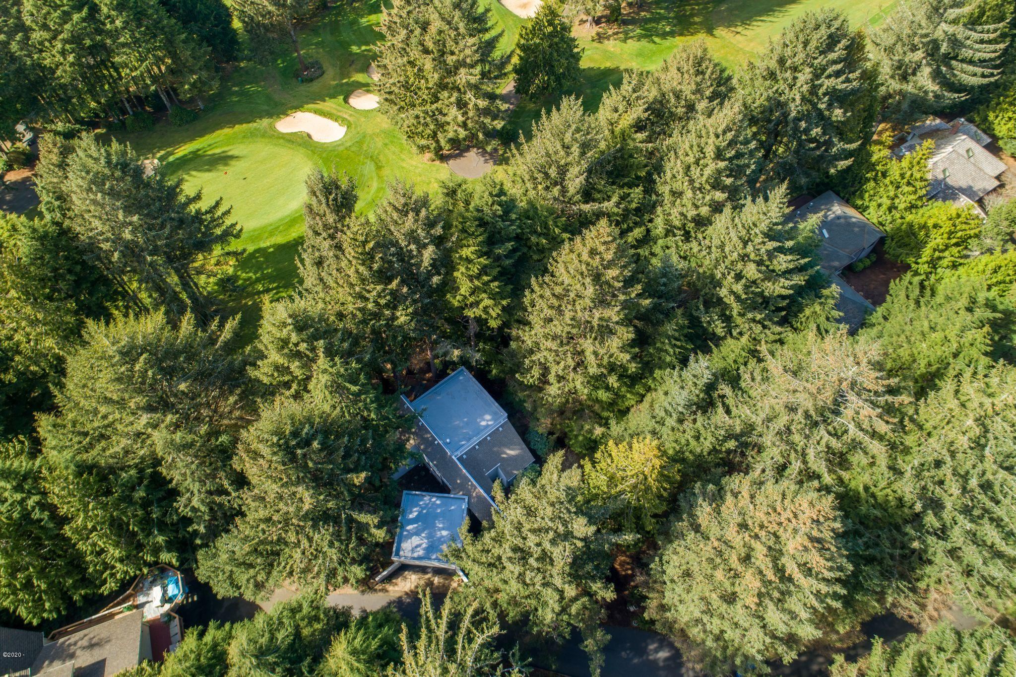 554 Fairway Drive, Gleneden Beach, OR 97388 - Aerial of house and green