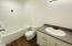 1728 NW 33rd St, Lincoln City, OR 97367 - Bathroom