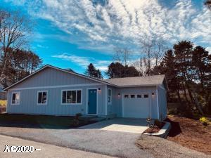 1728 NW 33rd St, Lincoln City, OR 97367 - 3 Bd 2 Bath