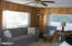 1523 NW Grove St, Newport, OR 97365 - Living room