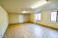 529 & 531 SW 32nd St, Lincoln City, OR 97367 - Large Room