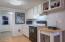 245 NE 10th St, Newport, OR 97365 - Kitchen
