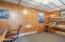 245 NE 10th St, Newport, OR 97365 - Office/Hobby Room