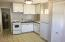 190 NW Maple St, Waldport, OR 97394 - Kitchen cottage.