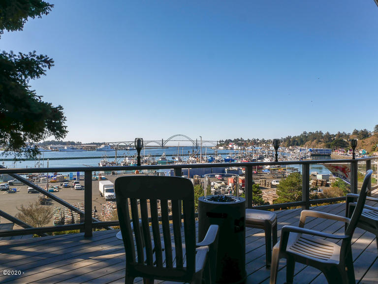612 SE 5th St, Newport, OR 97365