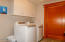 612 SE 5th St, Newport, OR 97365 - Laundry Room