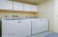 412 Combs Cir, Yachats, OR 97498 - Laundry room