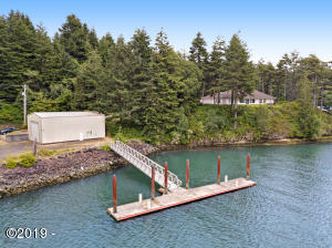 4616 Yaquina Bay Rd, Newport, OR 97365 - Beautiful Bay Front Home