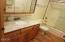 20 Alderwood Street, Gleneden Beach, OR 97388 - bathroom
