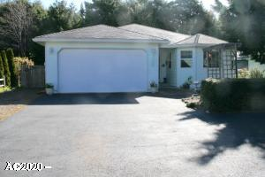 5530 Palisades Dr, Lincoln City, OR 97367 - Beautiful Frontage - Lots of Parking