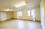 529,531 SW 32nd St, Lincoln City, OR 97367 - Large Room