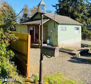 1618 NE Oar Ave, Lincoln City, OR 97367 - Cottage w/Large Corner Lot
