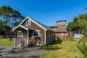 5950 Harris Ave., Pacific City, OR 97112 - Curbside