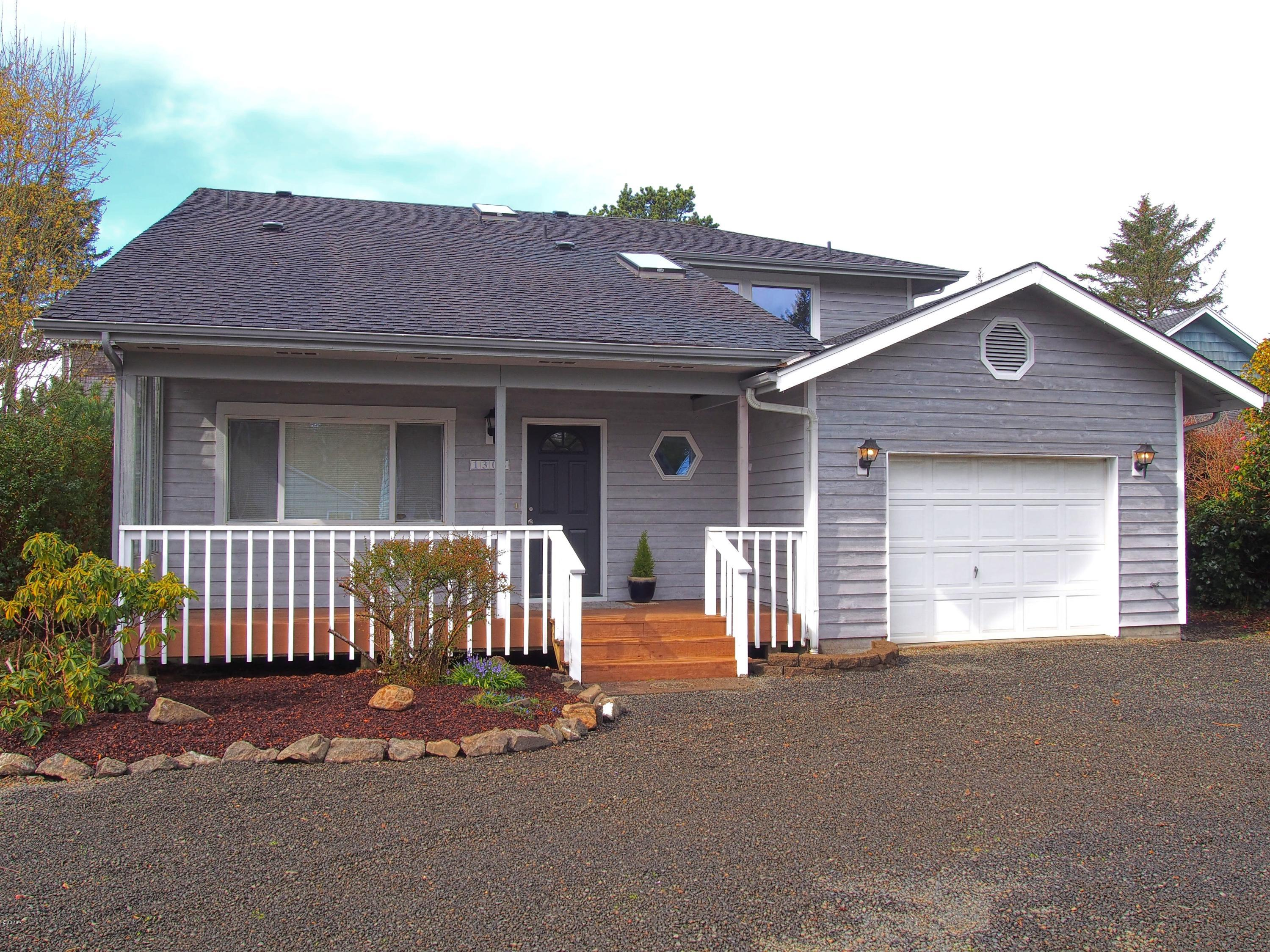 1305 SW 62nd St, Lincoln City, OR 97367 - Front View