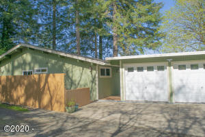 287 NE 10th St, Toledo, OR 97391 - 10th 1