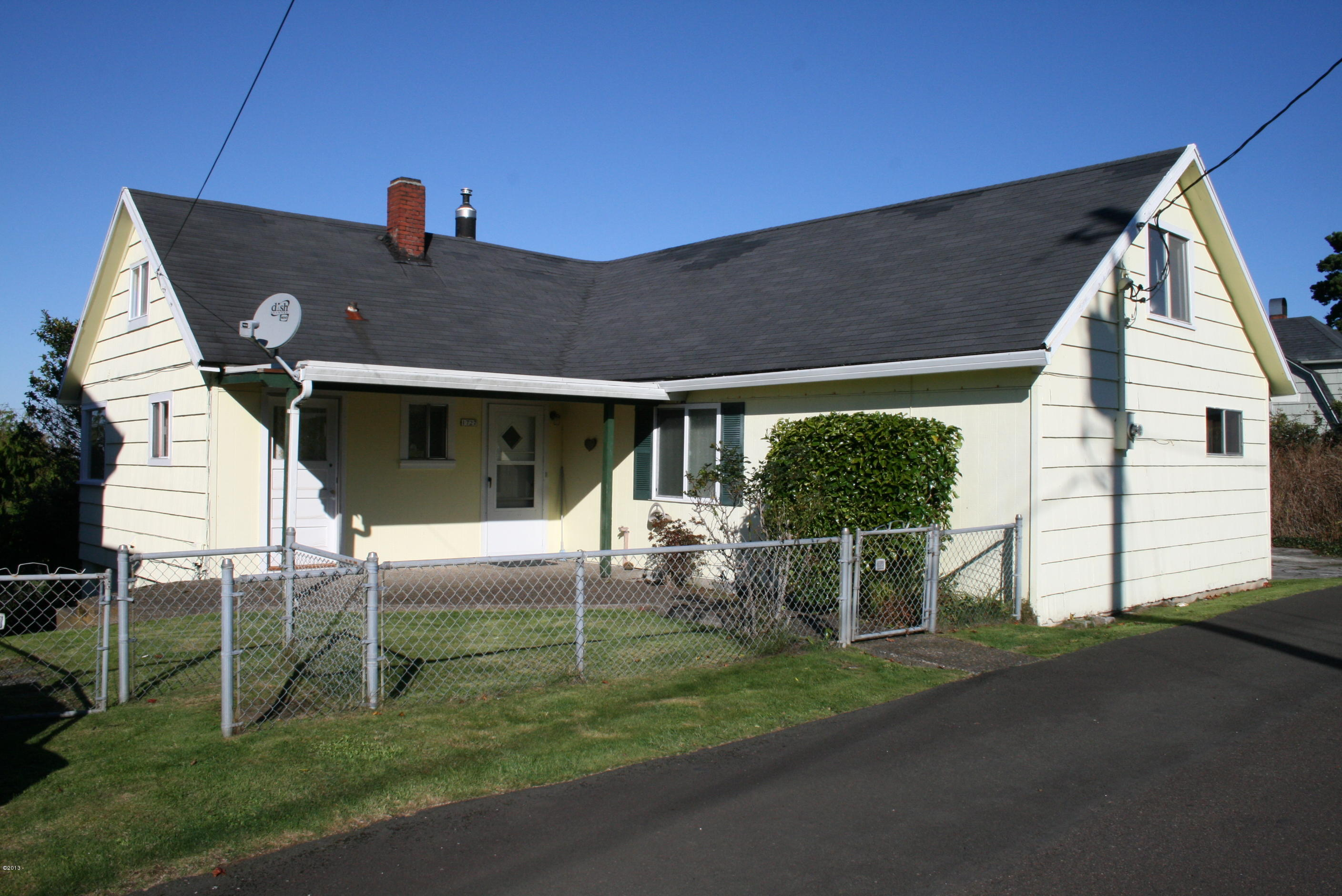 1727 NE Lee Pl, Lincoln City, OR 97367 - Front Of Home
