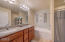 1120 NW Spring St, F, Newport, OR 97365 - Master Bathroom