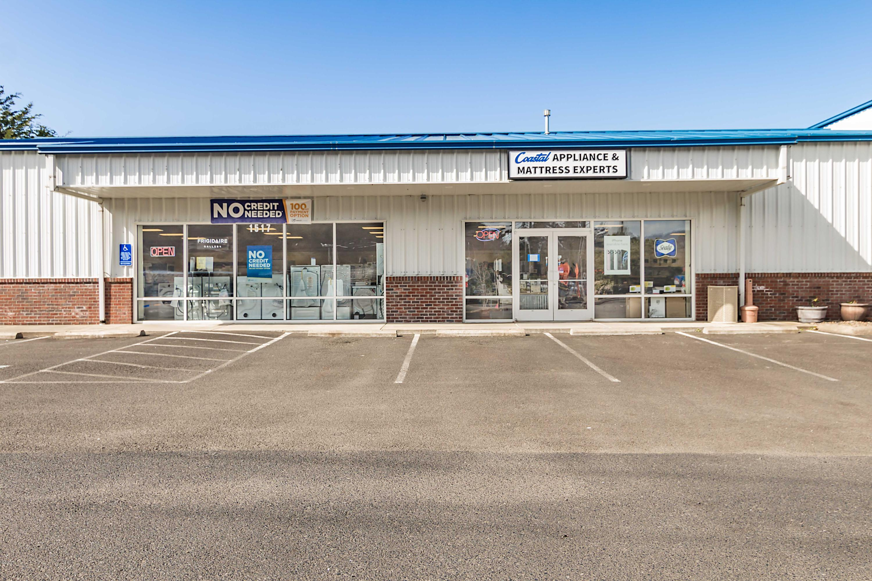 1517 SW Hwy 101, Lincoln City, OR 97367 - Exterior