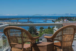 169 SE View Dr, Newport, OR 97365