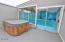 1033 NE Eads St, Newport, OR 97365 - Deck w/ Hot tub