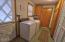 1033 NE Eads St, Newport, OR 97365 - Laundry