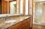 5565 Hacienda Ave, Lincoln City, OR 97367 - Master bathroom