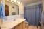 1415 NW 31st Pl, 172, Lincoln City, OR 97367 - Master bath