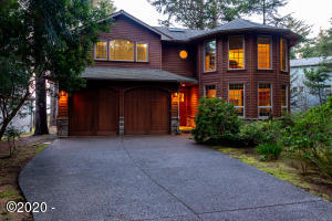 1425 SW Walking Wood, Depoe Bay, OR 97341 - Front curb appeal