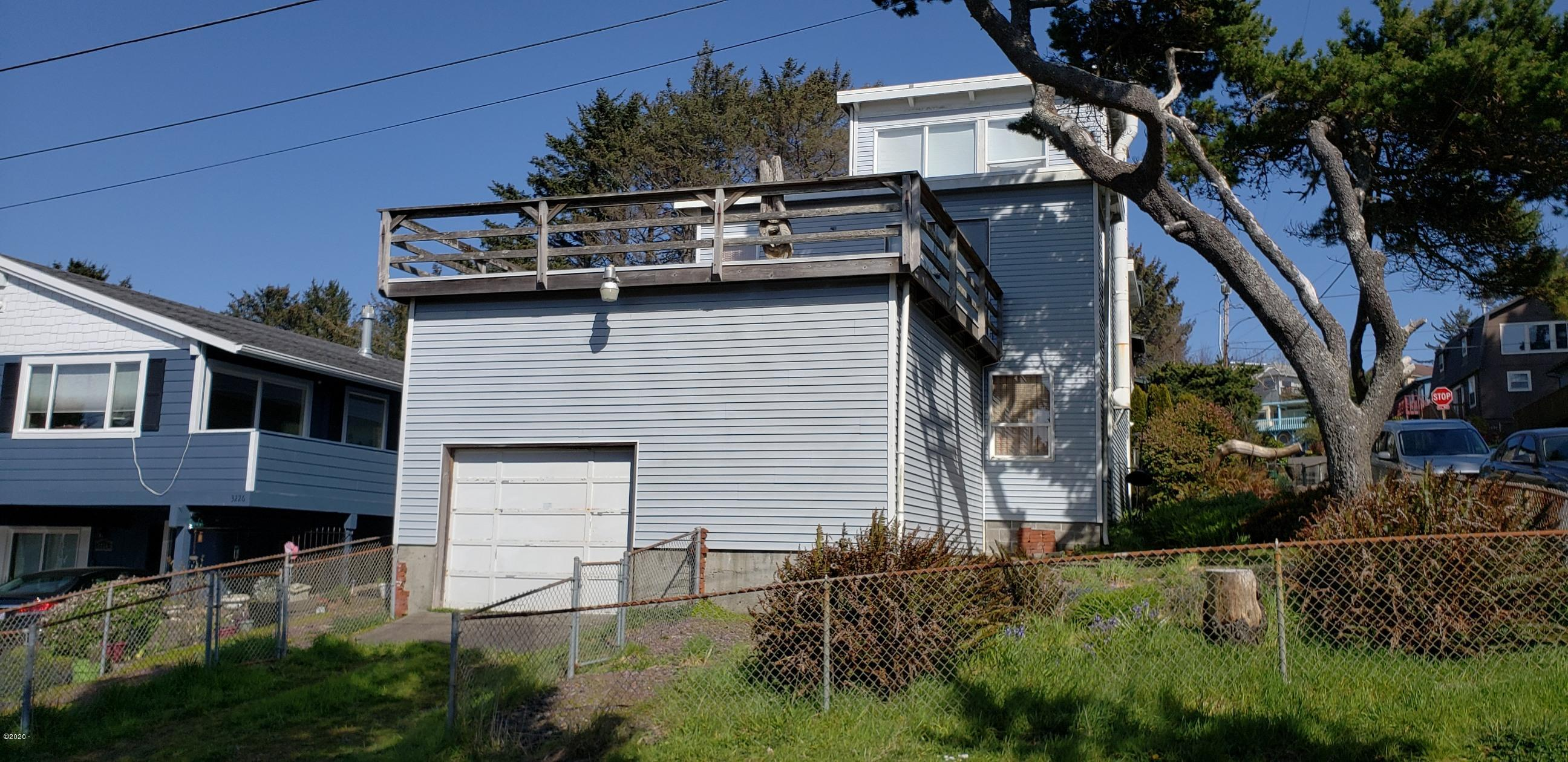 1751 NW 32nd St, Lincoln City, OR 97367 - Main front of home