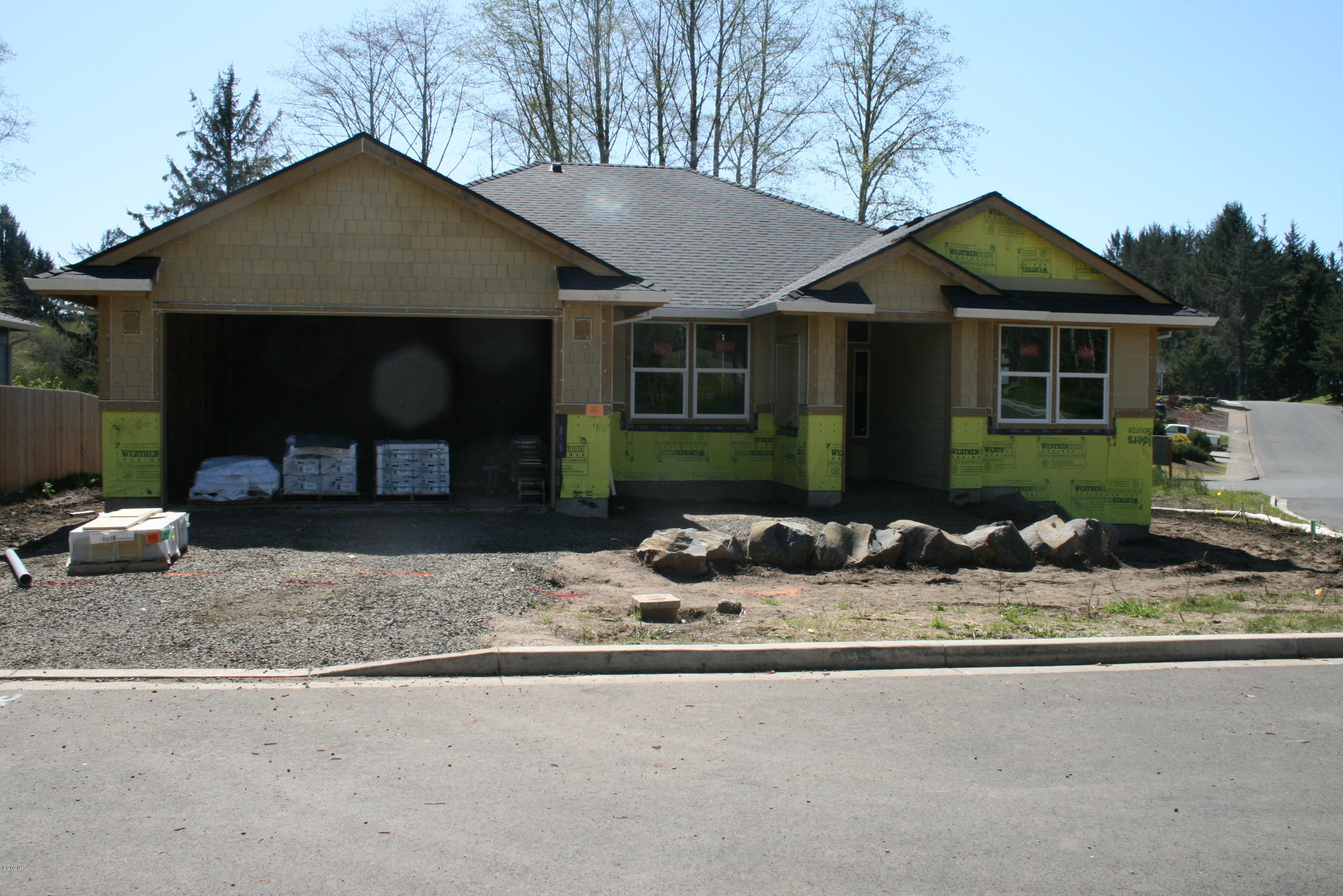 2814 NE 61st Place, Lincoln City, OR 97367