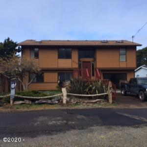435 Siletz Ave, Depoe Bay, OR 97341